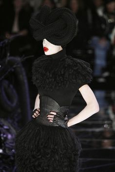 The dress with belt is great. Alexander McQueen Fall 2009. @Ms. Pin A Holic via STYLEMUSTHAVES