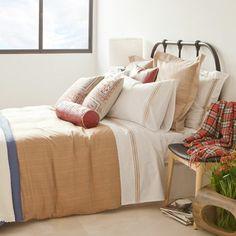 pretty calm scheme - love the cushions