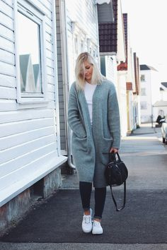 That Scandinavian Style, FWSS big cardigan, jeans and Eytys sneakers