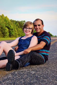 Couples poses. Couples photography. Photography. Airport. Carrie McClellan Photography.
