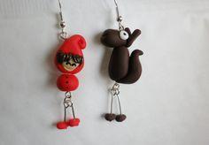 boucle d oreille petit chaperon rouge et loup personnage conte fée romantique : Boucles d'oreille par fimo-relie