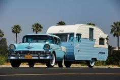 1956 CHEVY Pulling a 1956 Shasta canned ham vintage travel trailer. This is my dream. I have always wanted a 56 Bel Air! Retro Caravan, Vintage Campers Trailers, Retro Campers, Vintage Caravans, Camper Trailers, Tiny Trailers, Motorhome, Airstream, Shasta Trailer