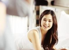 Honey Lee, South Korean actress, former  Miss Universe, has killer-dimple, dates Yoon Kyesang