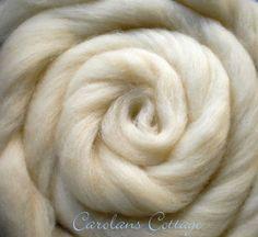 Spinning Wool Roving Fiber USA NATURAL WOOL 1 Pound Creamy White Felting Dyeing  #DreamCatcherYarns