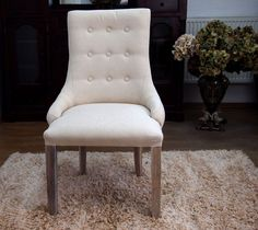 Duże, wygodne krzesło, tapicerowane grubą tkaniną w kolerze ecru / Upholstered Chair Collection Rustic Shabby Chic Accent Chairs, Armchair, Dining Chairs, Shabby Chic, Interiors, Furniture, Home Decor, Upholstered Chairs, Sofa Chair