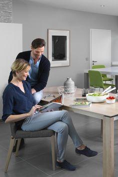Table design de la collection Oxford par Mobitec, une table adapté à votre salle à manger