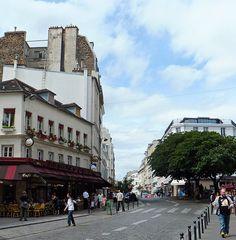 Place des Abbesses, Montmartre, Paris France