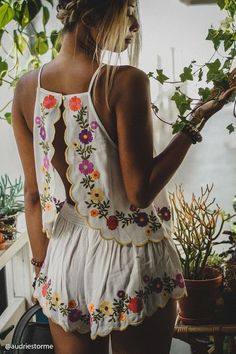 Mode : comment porter la tendance boho chic, outfits - Page 80 of 191 - Mode Hippie, Bohemian Mode, Hippie Chic, Bohemian Style, Bohemian Gypsy, Spring Summer Fashion, Spring Outfits, Summer Night Outfits, Summer Camping Outfits
