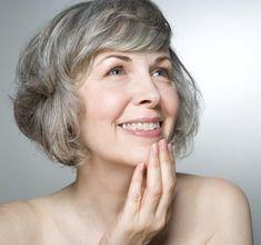 O preenchimento facial é uma técnica de rejuvenescimento facial sem cirurgia que, preenche os sulcos do rosto formados por linhas de expressão e rugas.Mas o processo também poderá ser utilizado na tentativa de contornar o rosto, devolvendo à pele o aspecto jovem, preenchendo maxilares e lábios, por exemplo.