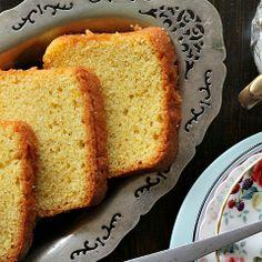 singapore shiok!: sugee cake (semolina butter cake)