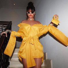 Welcome to Rihanna Drive cultural Ambassador to such an honor to be there, for her ceremony photo Estilo Rihanna, Rihanna Mode, Rihanna Style, Rihanna Fenty, Rhianna Fashion, Rihanna Outfits, Rihanna Dress, Runway Fashion, Fashion Models