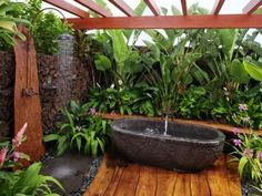 Outdoor shower & bath garden... Yes, Please!