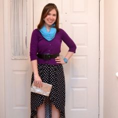 How many ways can you style the same dress? See how I used different jewelry, tops, belts, and shoes to create five unique outfits with one dress.  Posted by oneartsymama