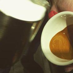 #latteart #coffeeart #cafe #wingtulip #lamarzocco