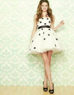 Shailene Woodley style inspiration. Love her dress