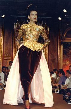 christian lacroix haute couture | Christian Lacroix Haute Couture Fall-Winter 1988 | Flickr - Photo ...