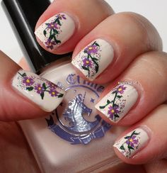 Marias Nail Art and Polish Blog: Flowers in the milky ways