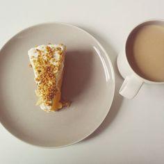 Last Cake from Tomke  #applepie #pie #apple #dessert #foodporn #delicious #baking #instafood #cinnamon #coffee #piday #sweettooth #foodstagram #coffeetime #coffeeaddict #coffeelover #instacoffee #cup #coffeelovers #coffeebreak #work #office #weekend #homemade #vegan #jummy #lunch #yum #friyay #hamburg
