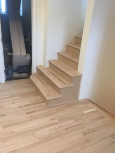 Hardwood Stairs, Home Decor, Wooden Ladders, Homemade Home Decor, Decoration Home, Wooden Stairs, Interior Decorating