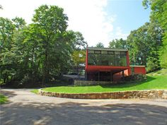 1950s modernist property in New Castle, New York, USA