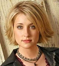 Hairstyles for Round Faces - Trendy Hairdos