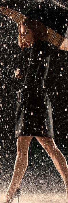 My Burberry Black, the new fragrance for women, evokes the feeling of heavy rain contrasted with warm and captivating flora. Lily James stars as the new face of My Burberry, shot by Mario Testino.