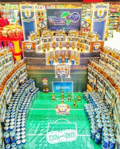 Chow with Xhico: Corona x Fútbol = Best Beer Display Ever Produce Displays, Store Displays, Retail Displays, Point Of Purchase, Point Of Sale, Shopping List Grocery, Pos Display, Home Sport, Corona Beer