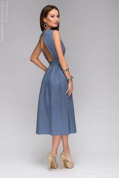 Синее платье длины миди с прин