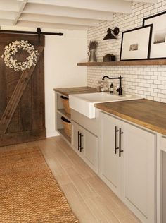 Awesome Rustic Functional Laundry Room Ideas Best For Farmhouse Home Design . Awesome Rustic Functional Laundry Room Ideas Best For Farmhouse Home Design A Rustic Laundry Rooms, Tiny Laundry Rooms, Mudroom Laundry Room, Laundry Room Remodel, Laundry Room Cabinets, Farmhouse Laundry Room, Laundry Room Organization, Laundry Room Design, Farmhouse Style