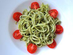 Avocado Wildkrauter Pesto Avocado Pesto, Kraut, Spaghetti, Ethnic Recipes, Food, Hemp Seeds, Pesto Recipe, Recipies, Essen