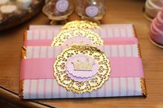 Candy Favors, Candy Gifts, Cake Table Decorations, Baby Shower Decorations, Baby Party, Baby Shower Parties, Eid Cupcakes, Chocolate Bar Wrappers, Candy Bar Wrappers