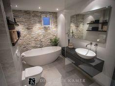 Badezimmer dusche fliesen Imaging result for bathroom with freestanding bathtub - result Bathroom Layout, Modern Bathroom Design, Bathroom Interior Design, Bathroom Cabinets, Tile Layout, Contemporary Bathrooms, Bathroom Designs, Modern Interior, Minimal Bathroom