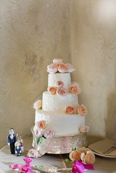 Shabby chic cake, love it!