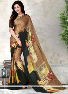 Be the sunshine of every person's eyes dressed in this gorgeous black and brown faux chiffon and silk casual saree. Beautified with printed work all synchronized very well with all the trend and des. Trendy Sarees, Stylish Sarees, Fancy Sarees, Saree Wearing Styles, Saree Styles, Tussar Silk Saree, Chiffon Saree, Sari Design, Elegant Saree