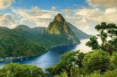 Santa Lucia island, in the Caribbean Merida, Lonely Planet, Iles Grenadines, Beautiful Islands, Beautiful Places, St. Lucia, Best Island Vacation, Honeymoon Spots, St Lucia Honeymoon