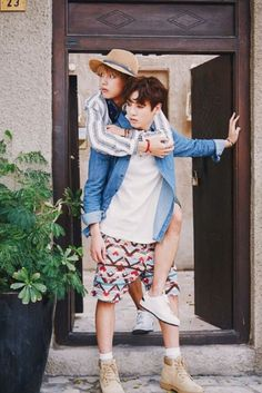 i don't even ship vkook but i love this pic ahhhh