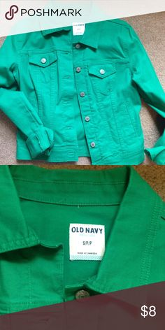 Kelly green Old Navy denim jacket. New without tag This denim jacket has NEVER been worn. Seriously, it is still stiff from newness. Kelly green color. Size small. Old Navy Jackets & Coats Jean Jackets