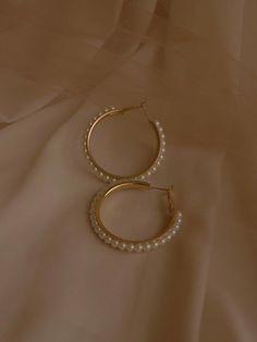 Emerald Earrings / Emerald / Emerald Cut Halo Earrings in Gold / Emerald Earrings Studs / Natural Emerald Earrings / Green Emerald - Fine Jewelry Ideas Dainty Jewelry, Cute Jewelry, Pearl Jewelry, Crystal Jewelry, Gold Jewelry, Jewelry Accessories, Jewelry Design, Jewelry Box, Clean Jewelry