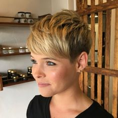 60 Short Shag Hairstyles That You Simply Can't Miss Pixie With Textured Crown And Bangs The post 60 Short Shag Hairstyles That You Simply Can't Miss appeared first on Beautiful Daily Shares. Short Shag Hairstyles, Short Pixie Haircuts, Hairstyles With Bangs, Short Hair Cuts, Short Curls, Shaggy Pixie, Curly Pixie, Blonde Pixie, Long Curly