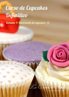 Curso de Cupcakes Definitivo gratuito en vídeo, curso cupcakes, el mejore curso… Brownie Cupcakes, Mini Cupcakes, Cupcake Cakes, Cake Pops, Cheesecake, First Bite, Cupcake Recipes, Fondant, Cake Decorating