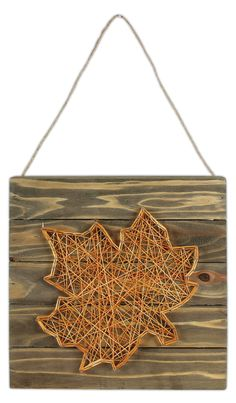 Thin red on sides and a red leaf. Leaf String Art Pallet - Click through for project instructions. String Art Patterns, String Art Tutorials, Doily Patterns, Dress Patterns, Hilograma Ideas, Arte Linear, Nail String Art, Rustic Crafts, Autumn Crafts