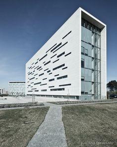 Rectory of Universidade Nova de Lisboa / Aires Mateus Photographed by Juan Alejo Morales Mor