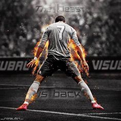 Cristiano Ronaldo is my Idol, he is a phenomenal Soccer player. Cristiano Ronaldo 7, Ronaldo Cr7, Cr7 Messi, Cristiano Ronaldo Wallpapers, Ronaldo Goals, Ronaldo Real Madrid, Best Football Players, Good Soccer Players, Football Soccer