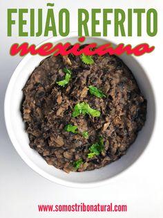 Versão vegana dos famosos frijoles refritos ou feijão refrito mexicano. Essa pastinha de feijão picante é DELICIOSA pra comer com burritos, nachos, tacos... Ou seja, fazer uma verdadeira festa mexicana!