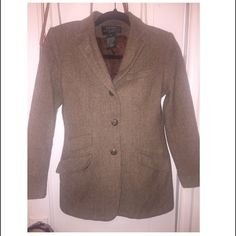 Ralph Lauren Blazer Beautiful blazer by Ralph Lauren. It's a size 8 for petite. The buttons have the amazing emblem and none are missing !!! Has three pockets and its in Mint condition!! Ralph Lauren Jackets & Coats Blazers