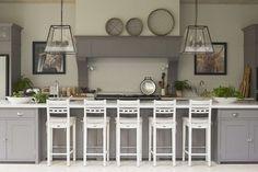 Luxury Kitchen Sims Hilditch Malvern Family Home Country Interior Design 5 - Elegant Home Decor, Elegant Homes, Country Kitchen Flooring, Large Open Plan Kitchens, Country Interior Design, Country Style Homes, Country Houses, Country Life, French Country