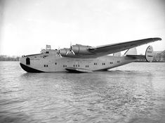 Pan Am Yankee Clipper flying boat, 1939 Pan Am, Porto Rico, Float Plane, Flying Boat, Weird Pictures, Iceland Travel, Air Travel, Amphibians, Dieselpunk