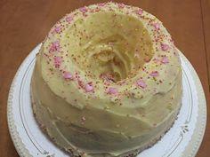 Liian hyvää: Kultarannan pumpulikakku Vanilla Cake, Desserts, Food, Easter, Janus, Bebe, Tailgate Desserts, Deserts, Essen