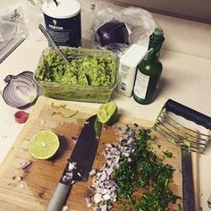Who loves Guacamole?? *unabashedly raising both hands* So what do you do when you have THREE perfect avocados? You make a bowl full of guacamole!! Did you know that traditional guacamol…