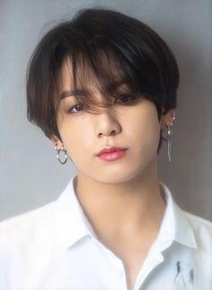 Jeon Jungkook(BTS) Facts He was born in Busan, South Korea. Jungkook's family consists of: Mom, dad, older brother Education: Seo. Bts Taehyung, Jungkook Oppa, Bts Bangtan Boy, Namjoon, Jung Kook, Foto Bts, Bts Photo, Busan, Jikook
